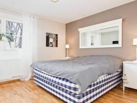 简约风格小户型公寓卧室背景墙装修图片-简约风格双人床图片