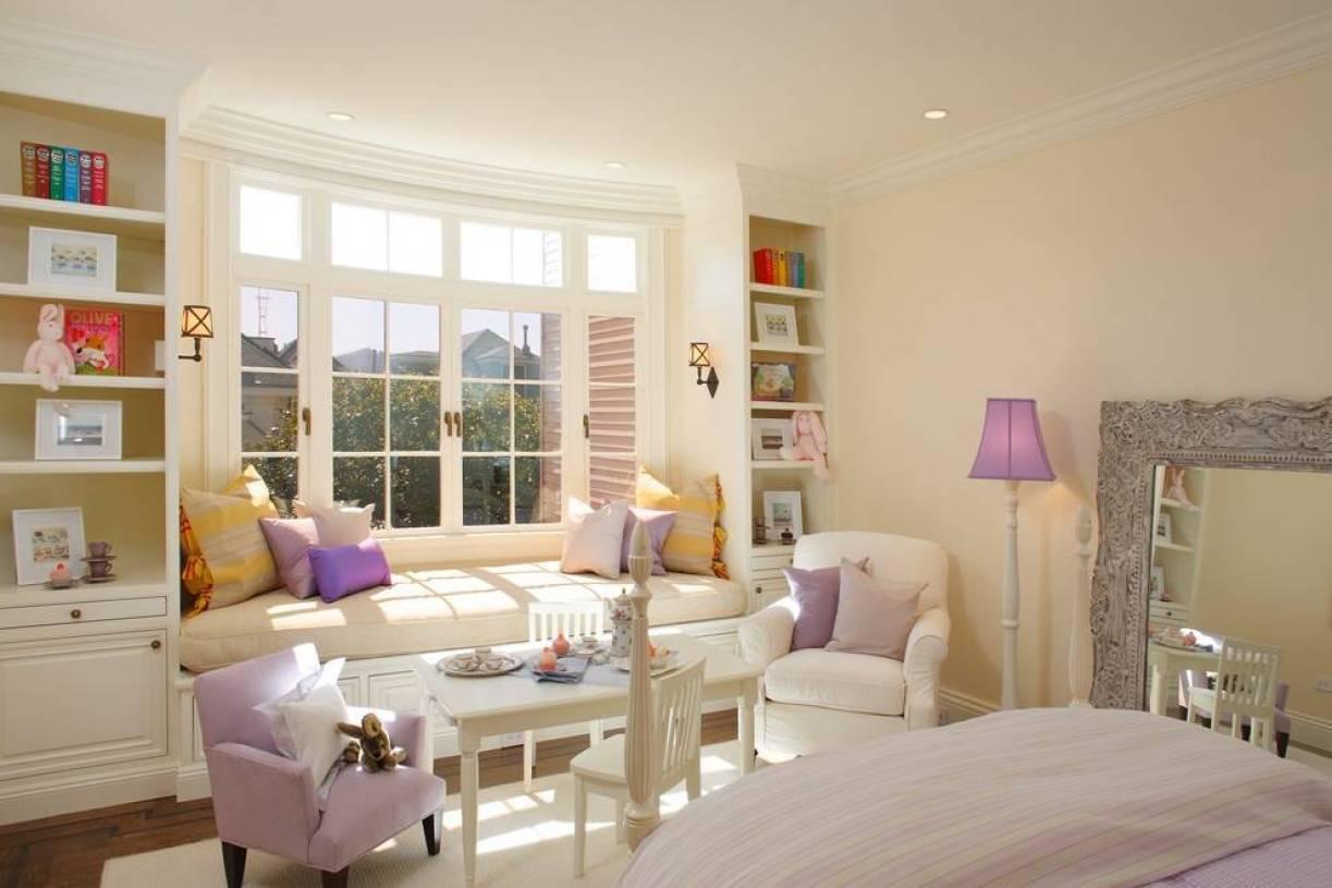 简约欧式风格主卧室与阳台装修效果图-简约欧式风格单人沙发图片