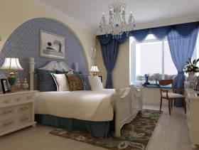 91㎡三居室地中海风格卧室床头背景墙装修效果图-地中海风格床头柜图片