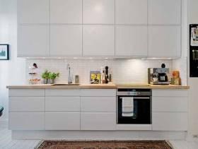 纯白清新的厨房装修图片