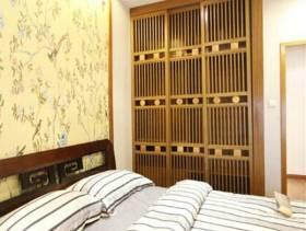 新中式风格小卧室背景墙装修图片-新中式风格实木衣柜图片