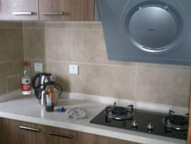 70㎡二居室现代风格厨房装修图片-现代风格实木橱柜图片