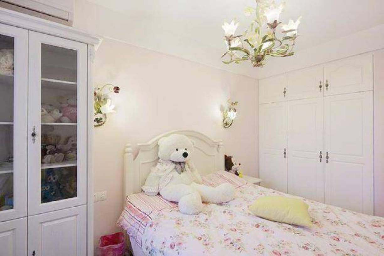 可爱温馨的女生卧室设计-兔狗装修效果图