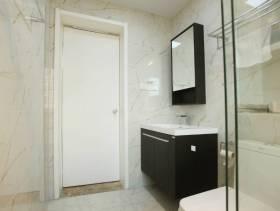 公寓小型卫生间局部装修图片
