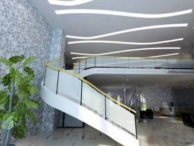 简约风格理发店复式楼梯装修效果图