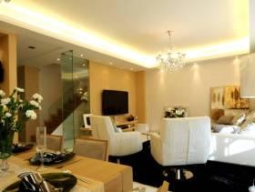 简约风格客厅玻璃隔断墙装修效果图-简约风格休闲沙发图片