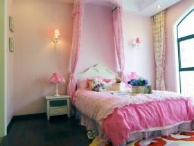 浪漫粉色系女生卧室设计