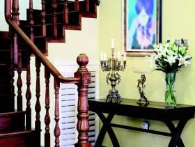 美式风格别墅楼道背景墙装修图片-美式风格楼梯扶手图片