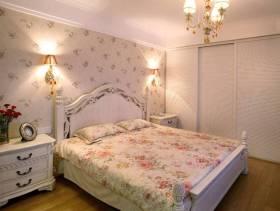 115㎡二居欧式田园风格卧室壁纸装修效果图-欧式田园风格双人床图片