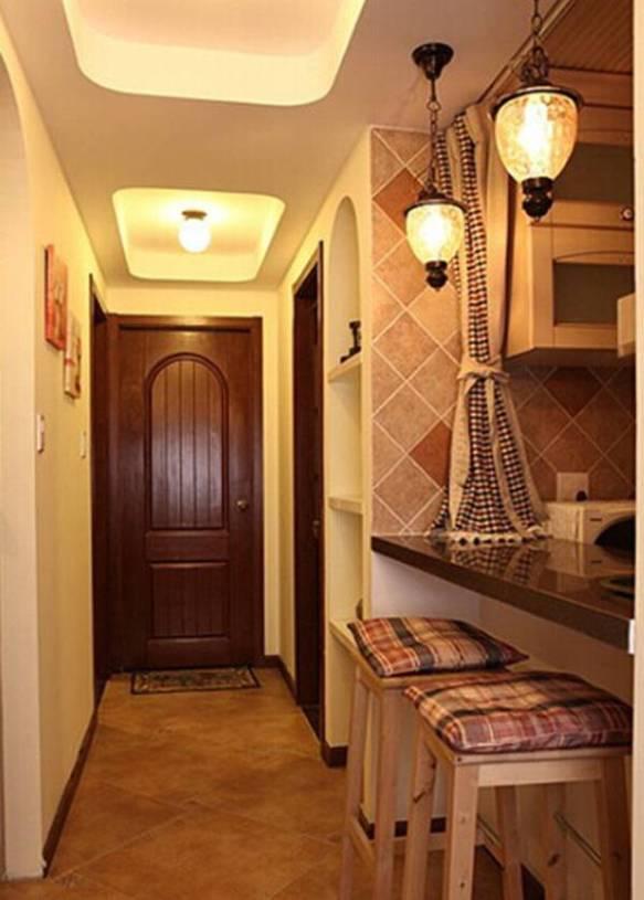 地中海风格进门玄关吊顶造型装修效果图
