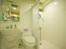 二居小型卫生间隔断装修图片