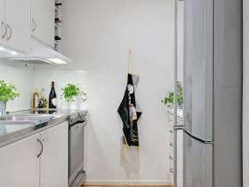 简洁文艺的厨房装修图片