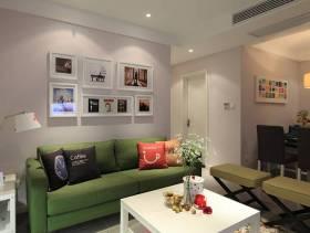 现代简约风格最时尚小户型客厅背景墙装修图片-现代简约风格沙发图片