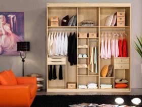 田园风格卧室桑木衣柜图片