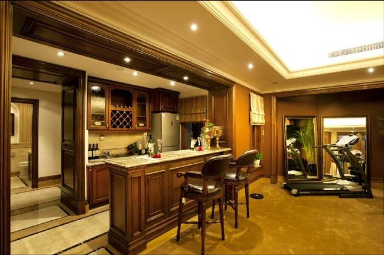 360㎡别墅美式风格吧台装修效果图-美式风格椅凳图片
