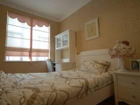 30㎡小户型简约风格卧室背景墙装修图片-简约风格实木床图片
