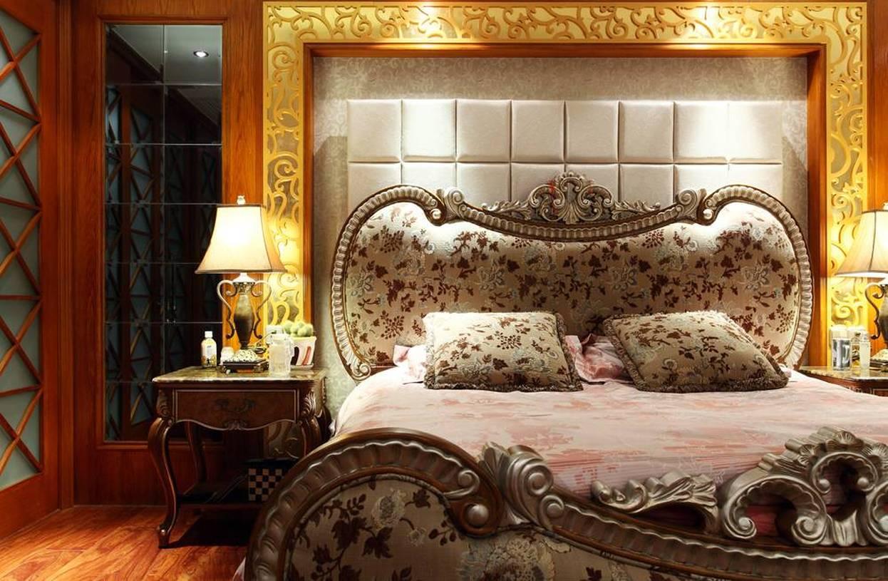 欧式风格别墅卧室床头背景墙装修效果图-欧式风格双人床图片