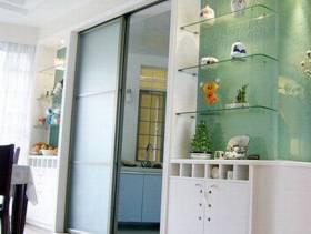 现代简约风格厨房推拉门装修图片