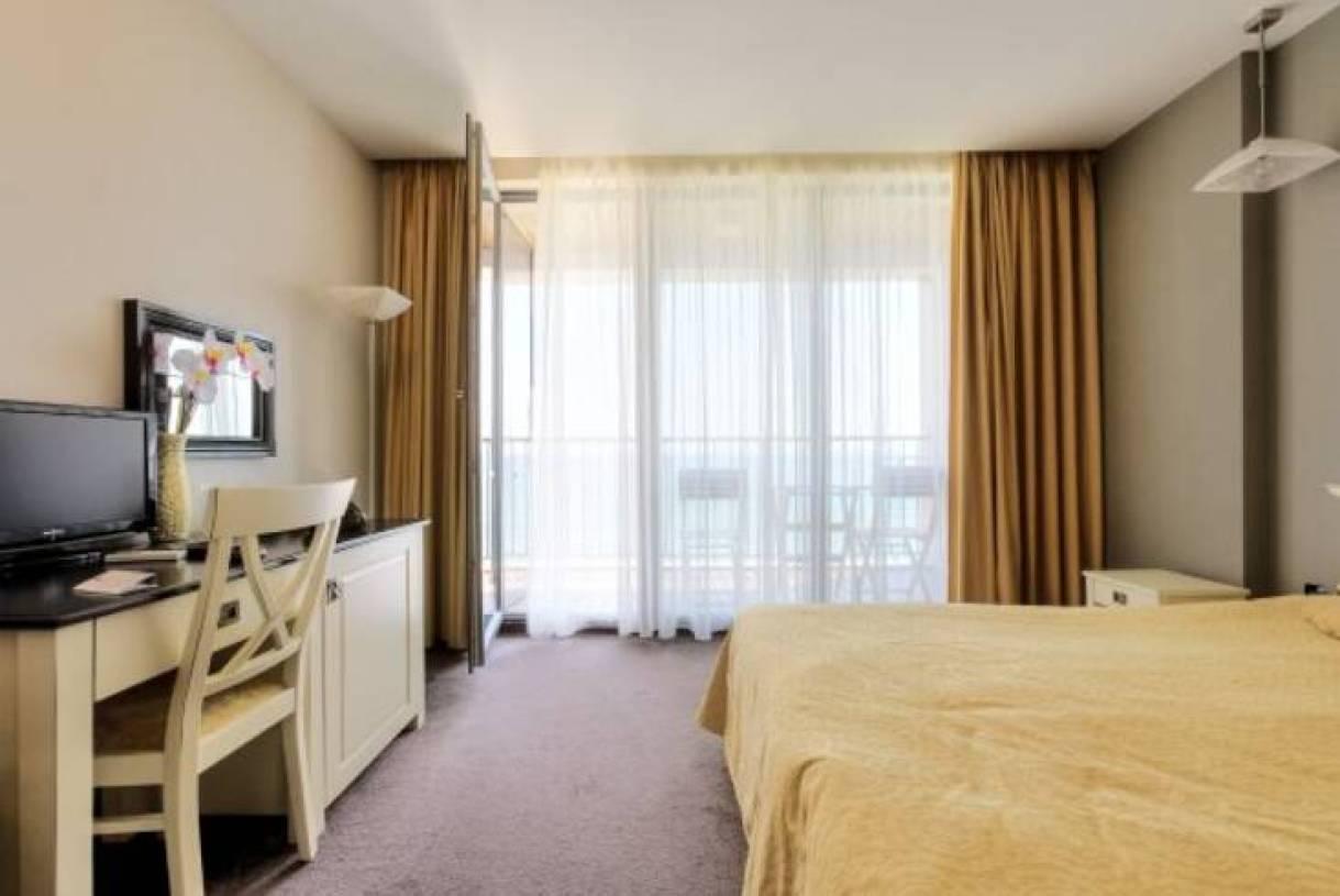 背景墙 房间 家居 酒店 设计 卧室 卧室装修 现代 装修 1219_815