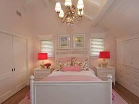 简约欧式风格女生卧室背景墙装修效果图-简约欧式风格床图片