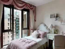 美式风格三居室卧室床头灯装修效果图,美式风格窗帘图片