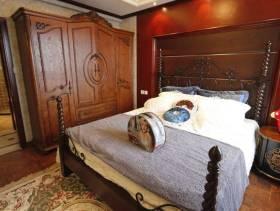 美式风格卧室背景墙装修图片-美式风格实木衣柜图片