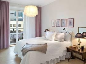 简约风格女生公寓小卧室装修图片-简约风格双人床图片