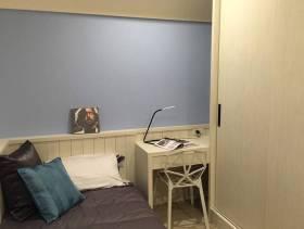简约风格小卧室装修图片