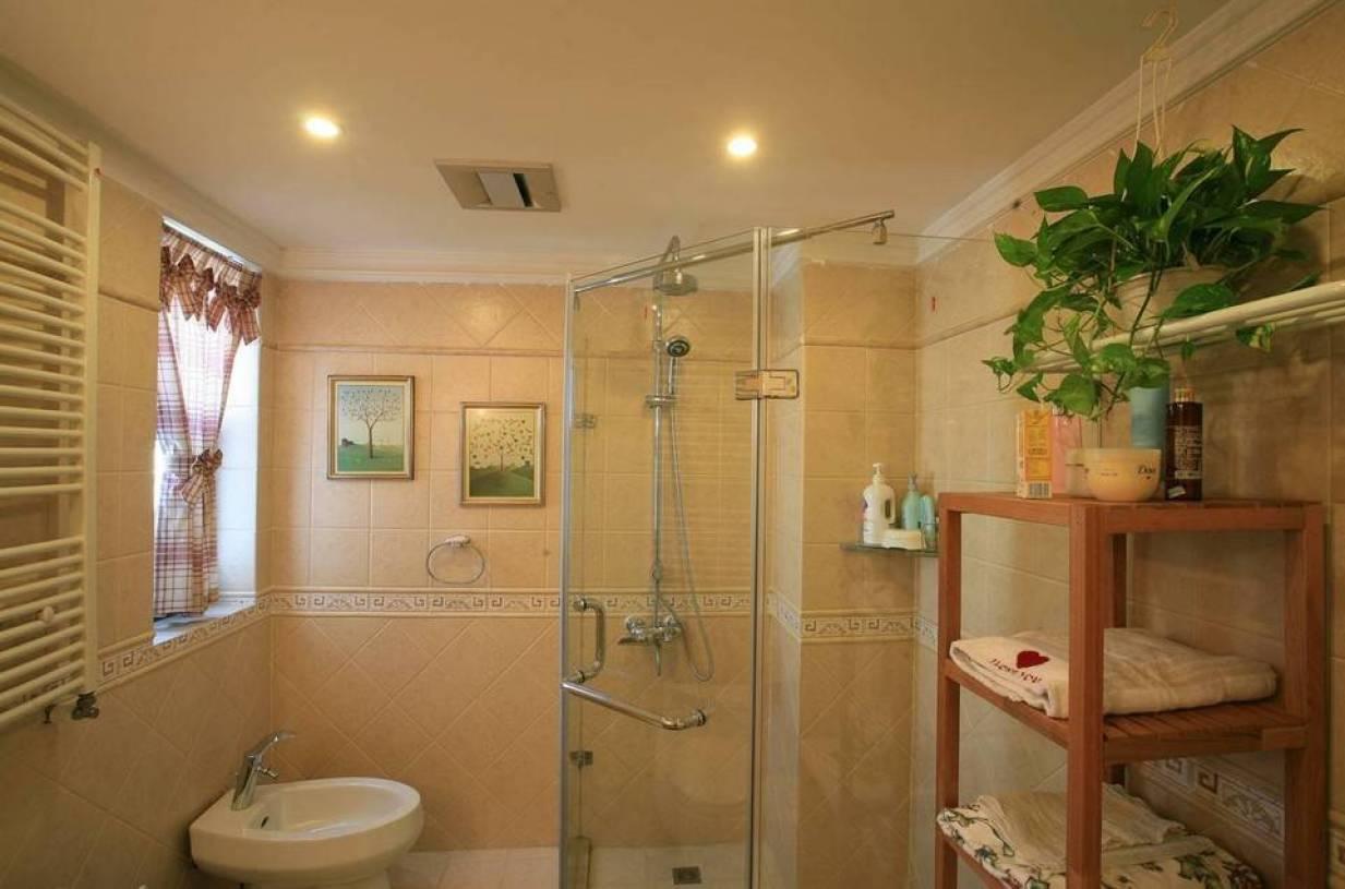 欧式田园风格三居室卫生间淋浴房装修效果图红色墙纸图片图片