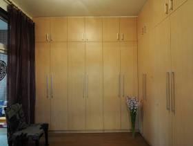 2013现代简约卧室衣柜装修图片