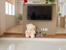 现代简约风格三居室客厅电视背景墙装修效果图