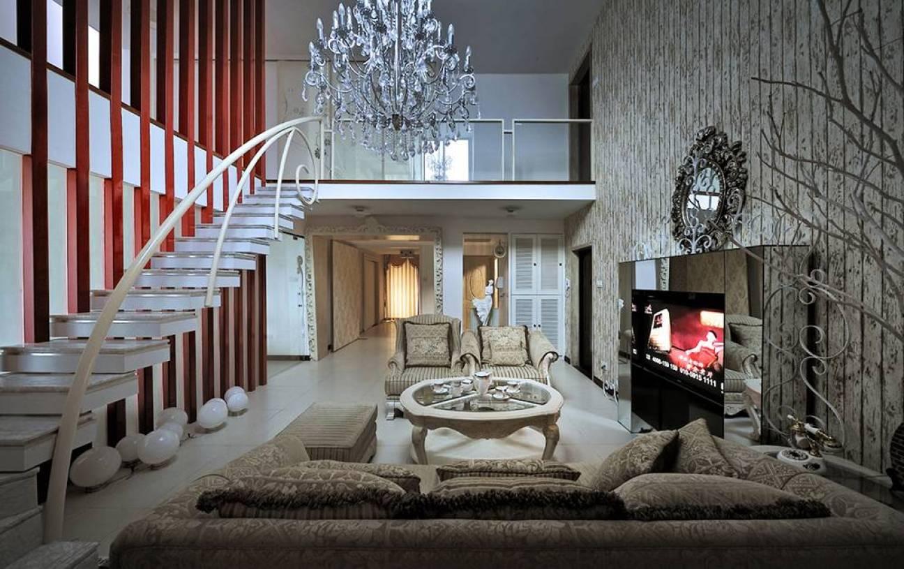 204㎡混搭风格复式公寓客厅复式楼梯装修效果图-混搭风格沙发图片