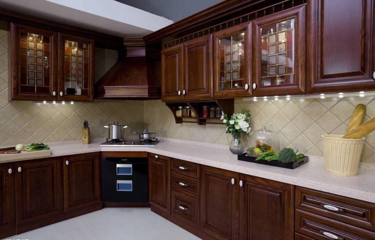美式风格厨房吊顶装修效果图-美式风格橱柜图片