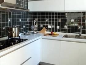 现代简约风格厨房装修图