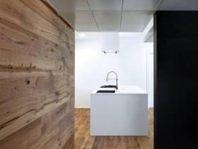 简洁自然的开放式厨房装修图片