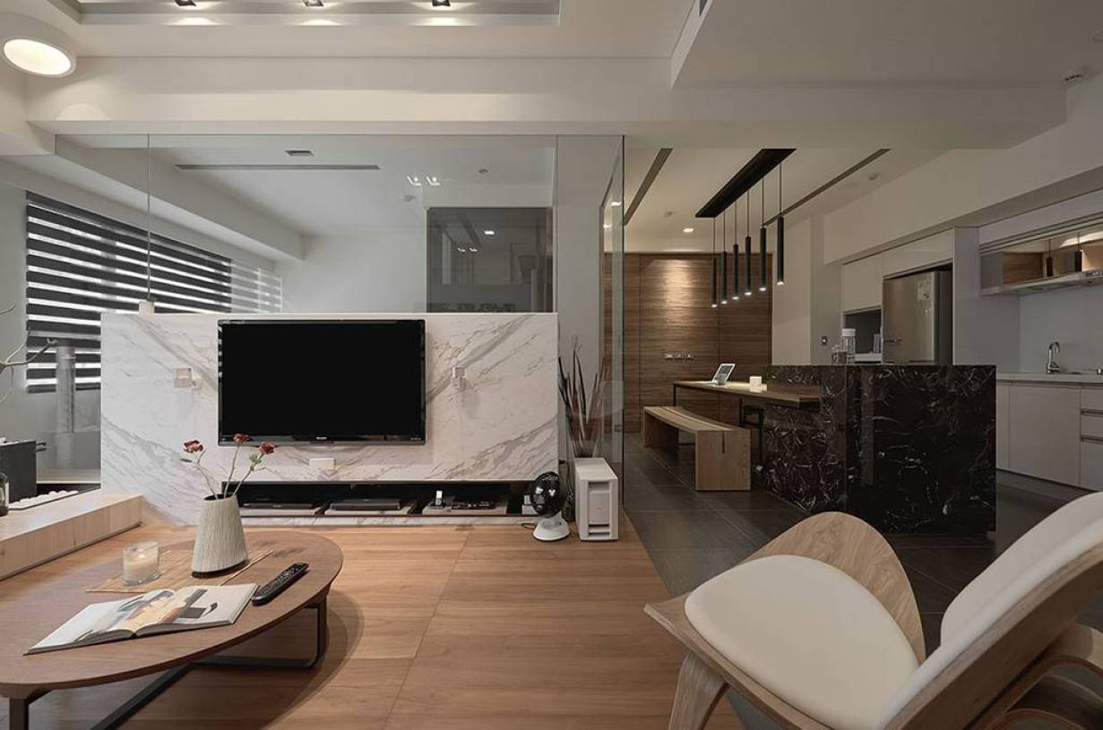 時尚客廳半隔斷電視墻設計