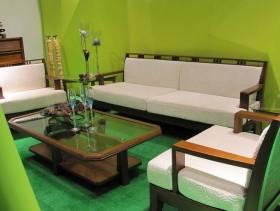 清新风格小户型客厅实木沙发装修效果图