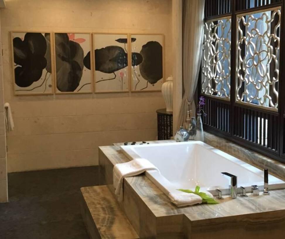 新中式风格浴室装修图片-新中式风格浴缸图片