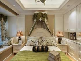 卧室浅色背景墙纸装修图片