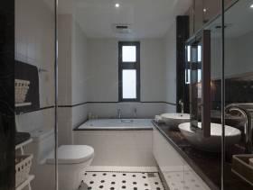 三居小型卫生间正面设计图