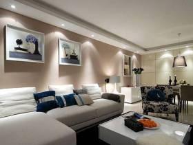 现代风格最时尚小户型客厅沙发背景墙装修效果图-现代风格茶几图片