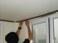 窗帘杆安装需谨慎