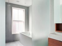 这几个在卫生间装玻璃隔断墙的优势你听说过吗?