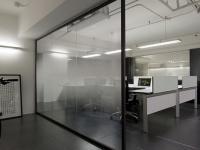 办公室的玻璃隔断墙有哪些优势?