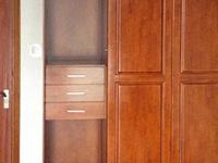 不同木质的实木壁柜那种好?