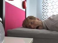 每天早上叫醒你的是什么? 高压弹跳叫醒床