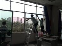 家居生活小妙招:玻璃清洗的四大技巧