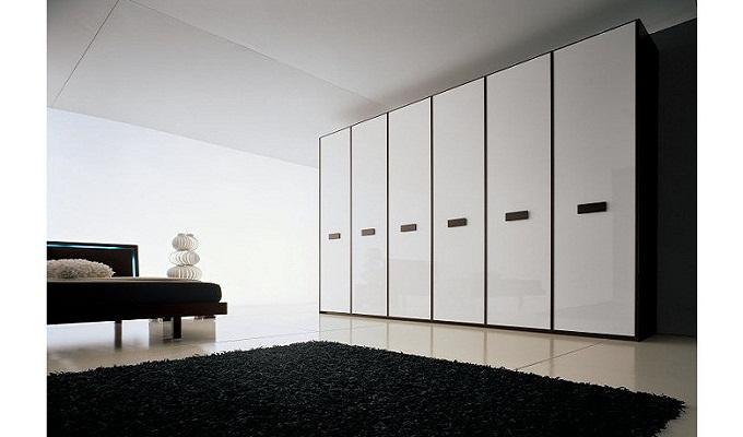 衣柜移门是玻璃还是实木?