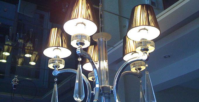 大型水晶吊灯价格高吗?