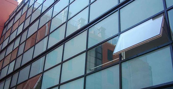 玻璃隔热膜粘贴方法